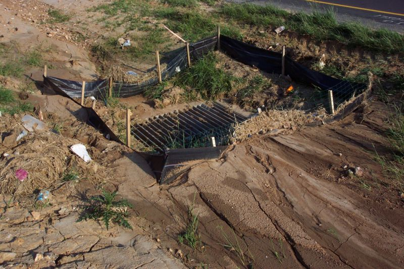 Image 806 1 1 1 Photo 6b Silt Fence Protecting Drop Inlet