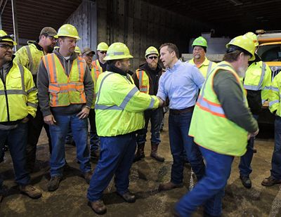 Gov. Eric Greitens showed his appreciation to MoDOT and Missouri State Highway Patrol employees for their life-saving efforts during the ice storm.