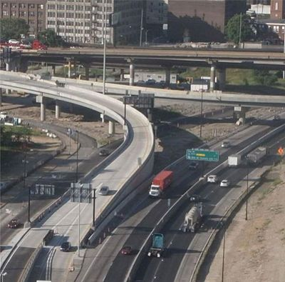 As a part of the Poplar Street Ramp project in St. Louis, MoDOT has reopened the ramp from WB I-64 to SB I-55/WB I-44 as well as all the lanes on the WB Poplar Street Bridge.